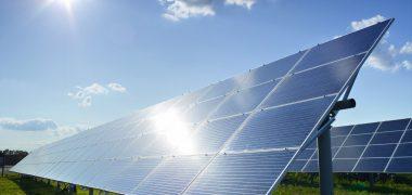 Verlichting op zonne energie ook voor reclameborden